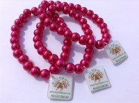hot-pink-glass-bead-stretch-bracelet